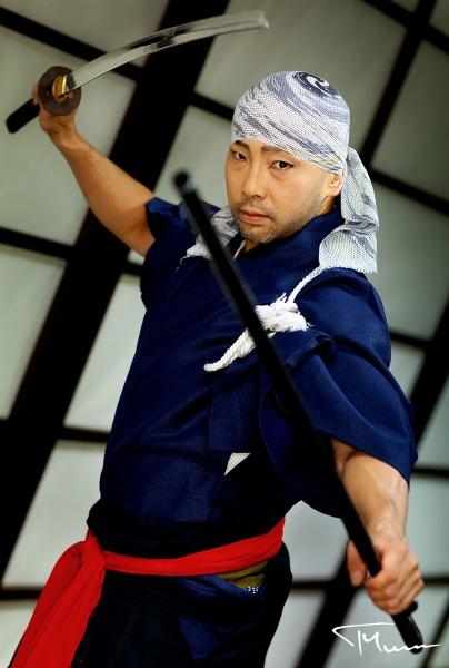 sesja zdjęciowa - grupa Kamui, japońska grupa mistrzów miecza