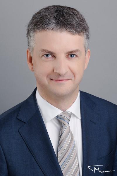 portretowa sesja zdjęciowa - fotografia ludzi biznesu, Warszawa