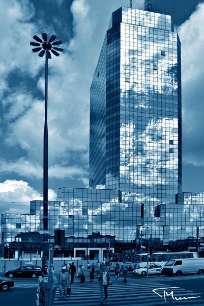 sesje fotograficzne, reklamowe - błękitny wieżowiec, Warszawa